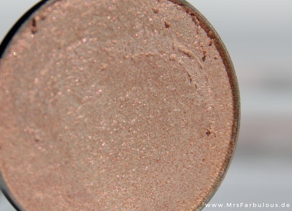 Pantone Rose Quartz und Serenity Blogparade Makeup Geek I'M Peachless