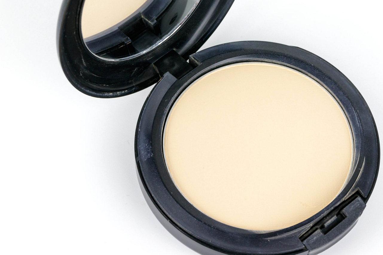 foundation Schminktipps Reihe Make-up Liquid Foundation Puder Foundation Mineral Make Up Mineral Makeup Primer Make Up fürs Gesicht 4